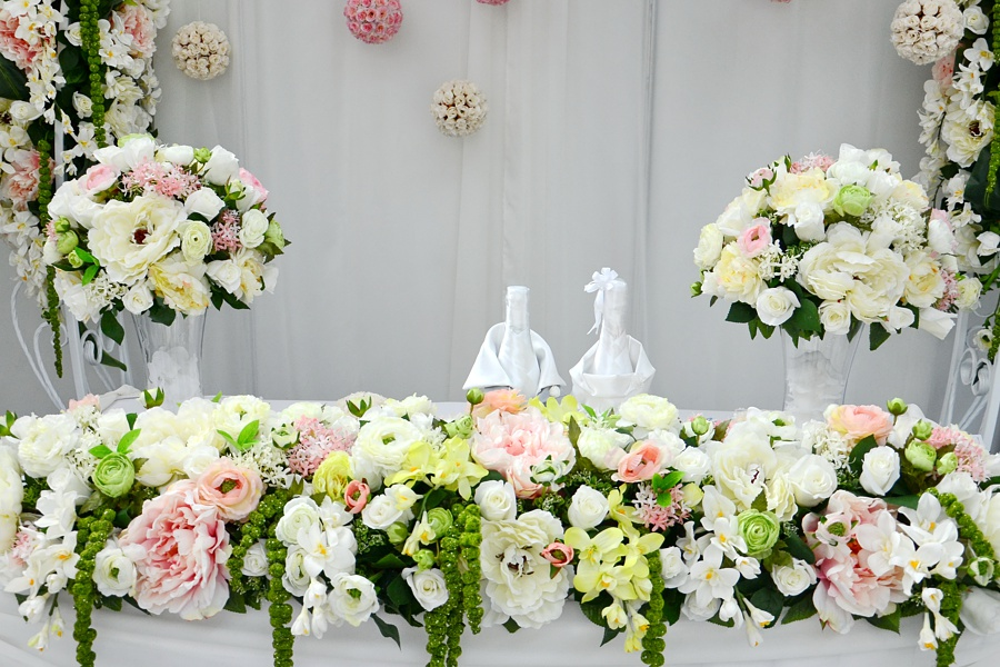 wedding ceremony table arrangements